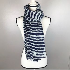 Shiraleah Chicago Scarf Blue Patterned